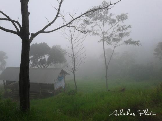 Diselimuti kabut disiang hari, habis hujan tentunya.