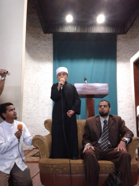 Yazid yang hafal al-quran sejak umur 4.5 tahun bersama ayanya, Dr. Kamil