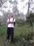 12. Masuk hutan, pose dulu ahh...